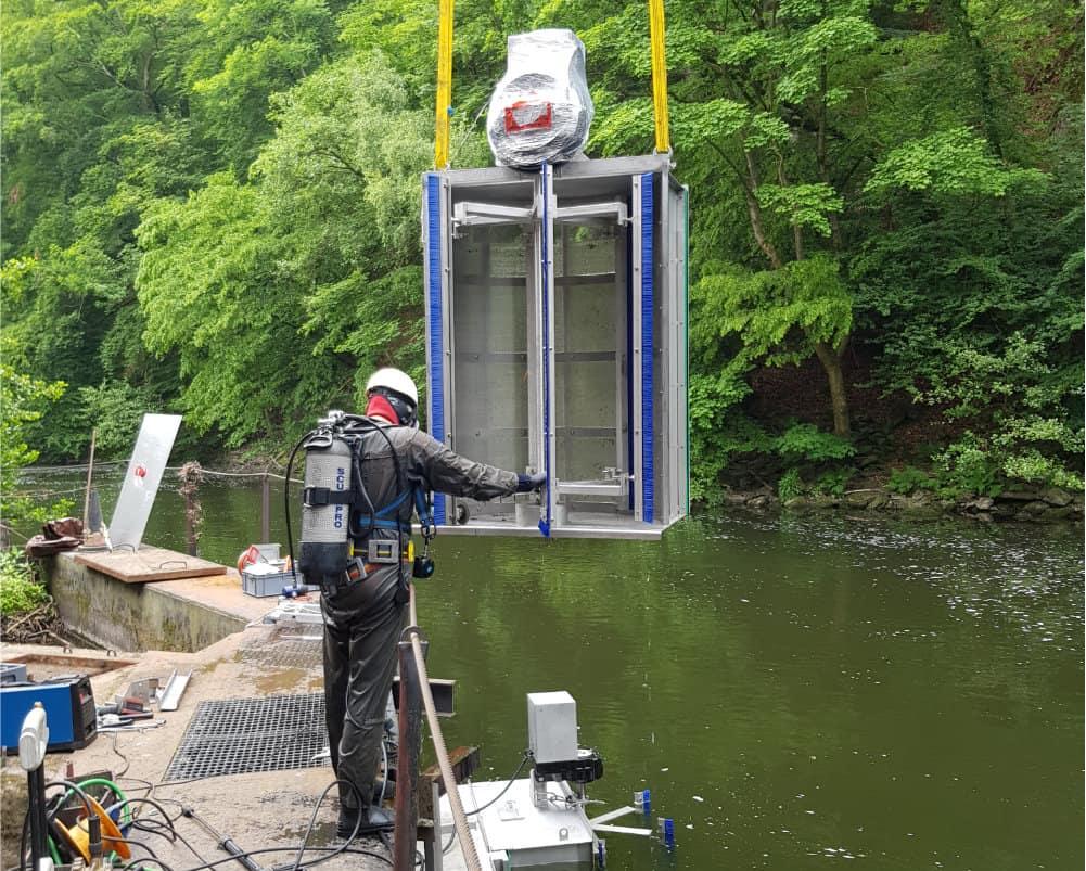 Underwater work during an installation